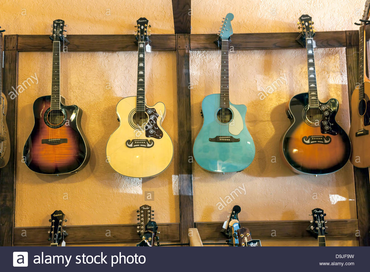 Accrocher Sa Guitare Au Mur Beau Galerie Acoustic Guitars S & Acoustic Guitars Alamy