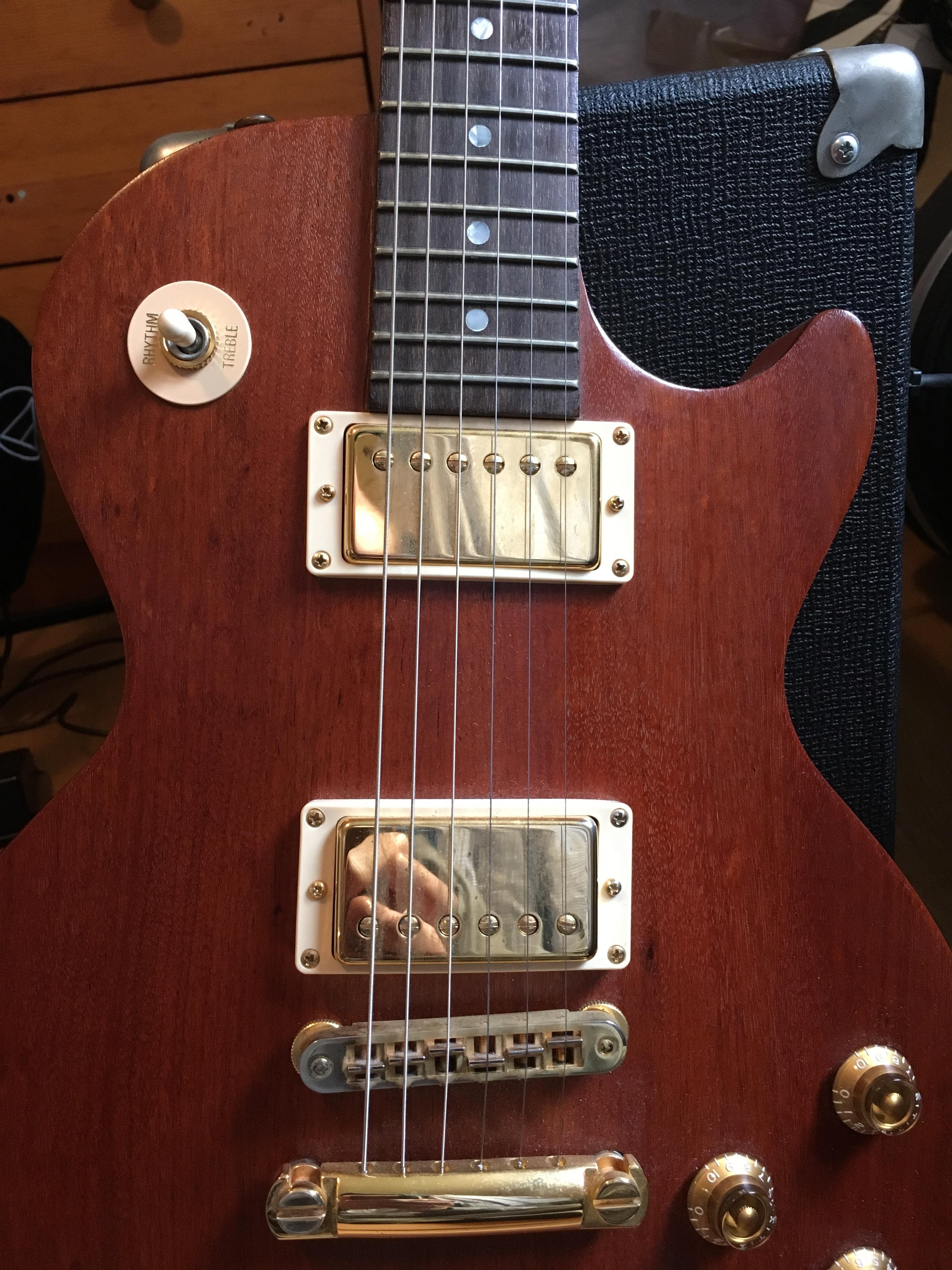 Accrocher Sa Guitare Au Mur Luxe Photographie Les Paul Smartwood Studio Gibson Les Paul Smartwood Studio