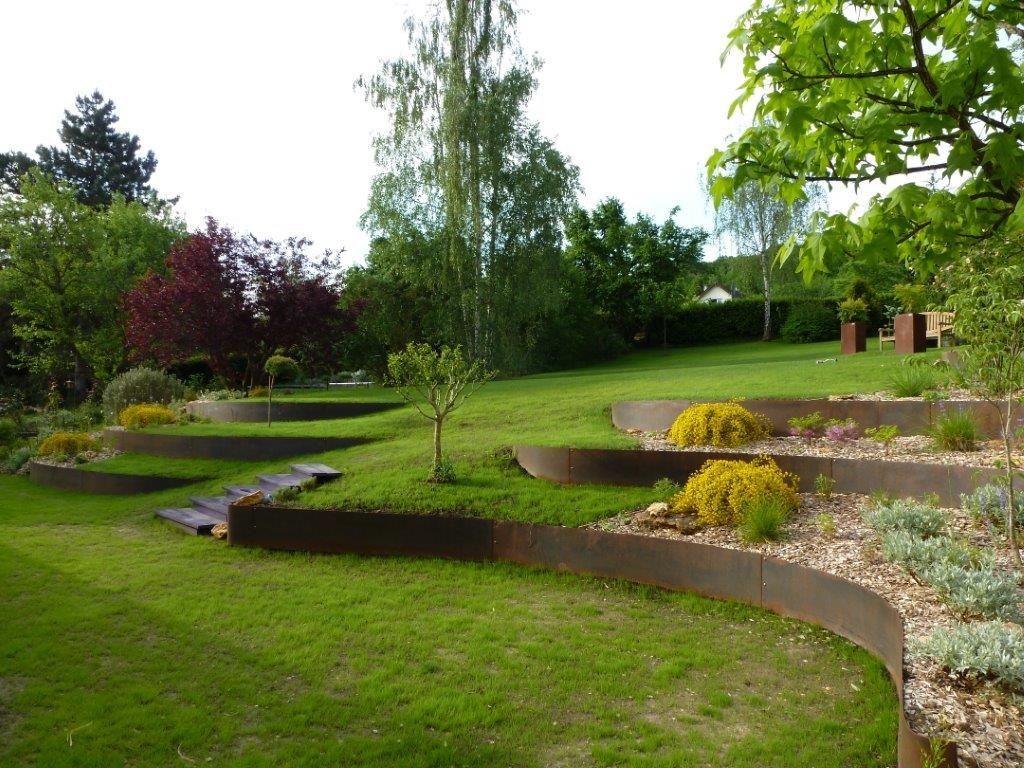 Bordure Jardin originale Frais Photographie Aménagez Votre Pelouse En Terrasses Avec De Bordures De Jardin