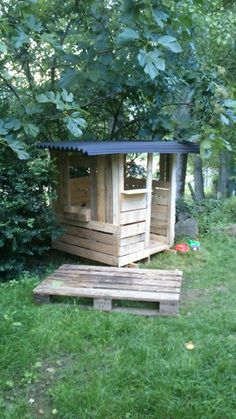 Cabanne En Palette Inspirant Photos Phase 1 Of A Pallet Playhouse No Directions Made by One Little