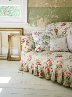 Canapé Tissu Fleuri Anglais Impressionnant Photographie Bedroom Shabby & Rustic Charm