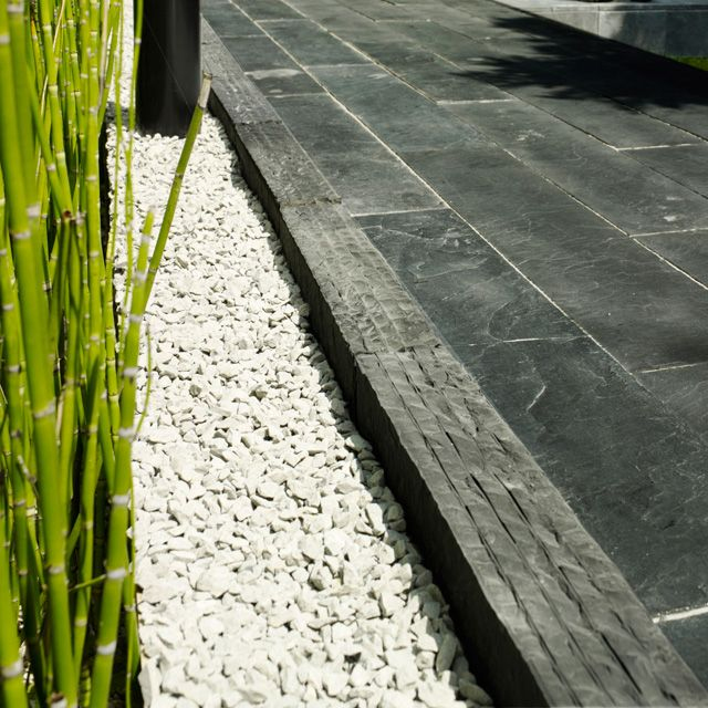 Castorama Bordure Jardin Élégant Image Remplir Les Plate Bandes Actuelles Avec Le Gravillon Décoratif Blanc