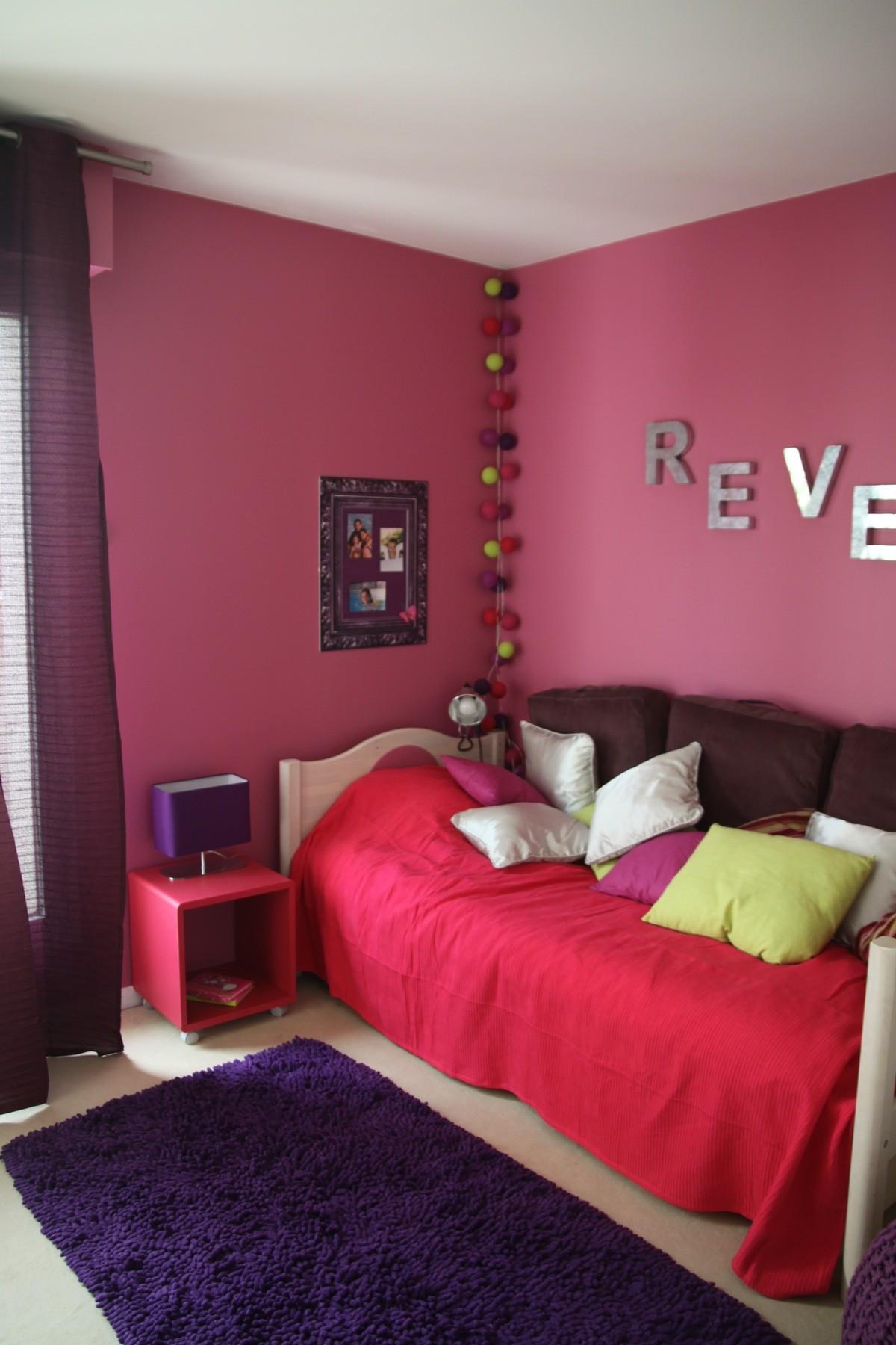 chambre violet gris l gant stock chambre blanche et rose image couleur rose fushia chambre. Black Bedroom Furniture Sets. Home Design Ideas