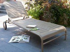 Chilienne Avec Repose Pieds Castorama Beau Stock Mobilier De Jardin Design Fermob Chaises Longues Sur Uaredesign