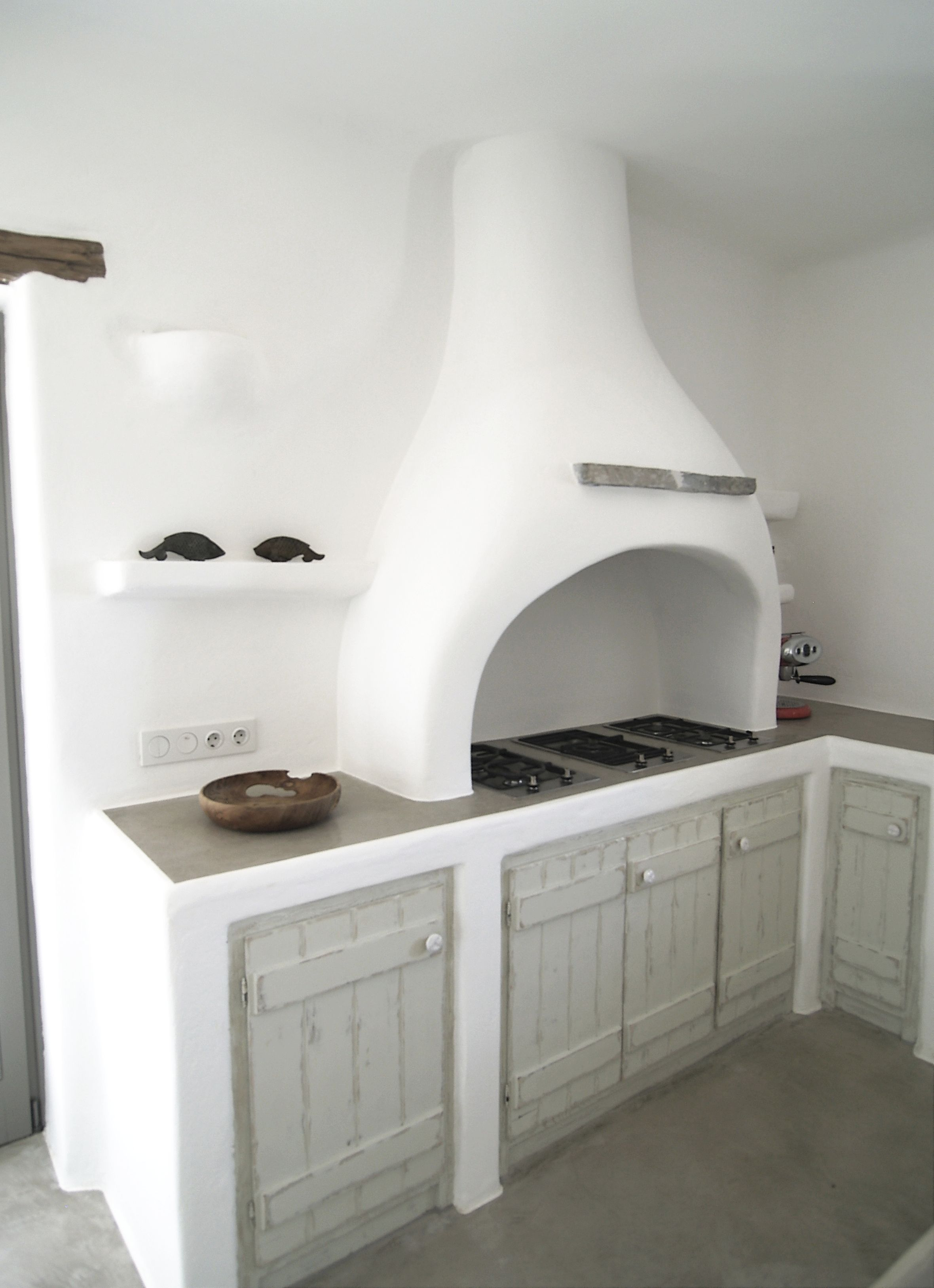 Designmag Salle De Bain Beau Photographie Paros Greece Traditional Built Kitchen Counter and Hood