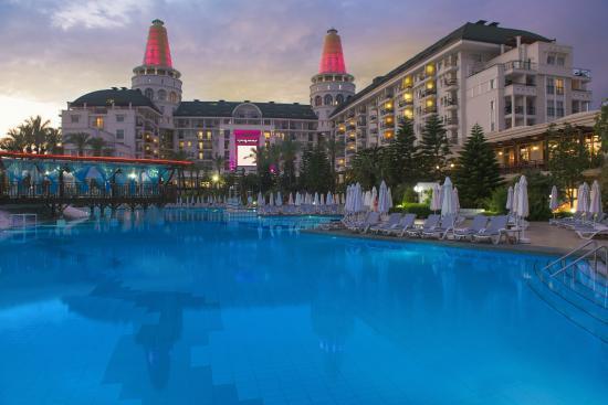 Diva 1 2 3 Inspirant Photographie Delphin Diva Premiere Hotel Antalya Turquie Voir Les Tarifs Et