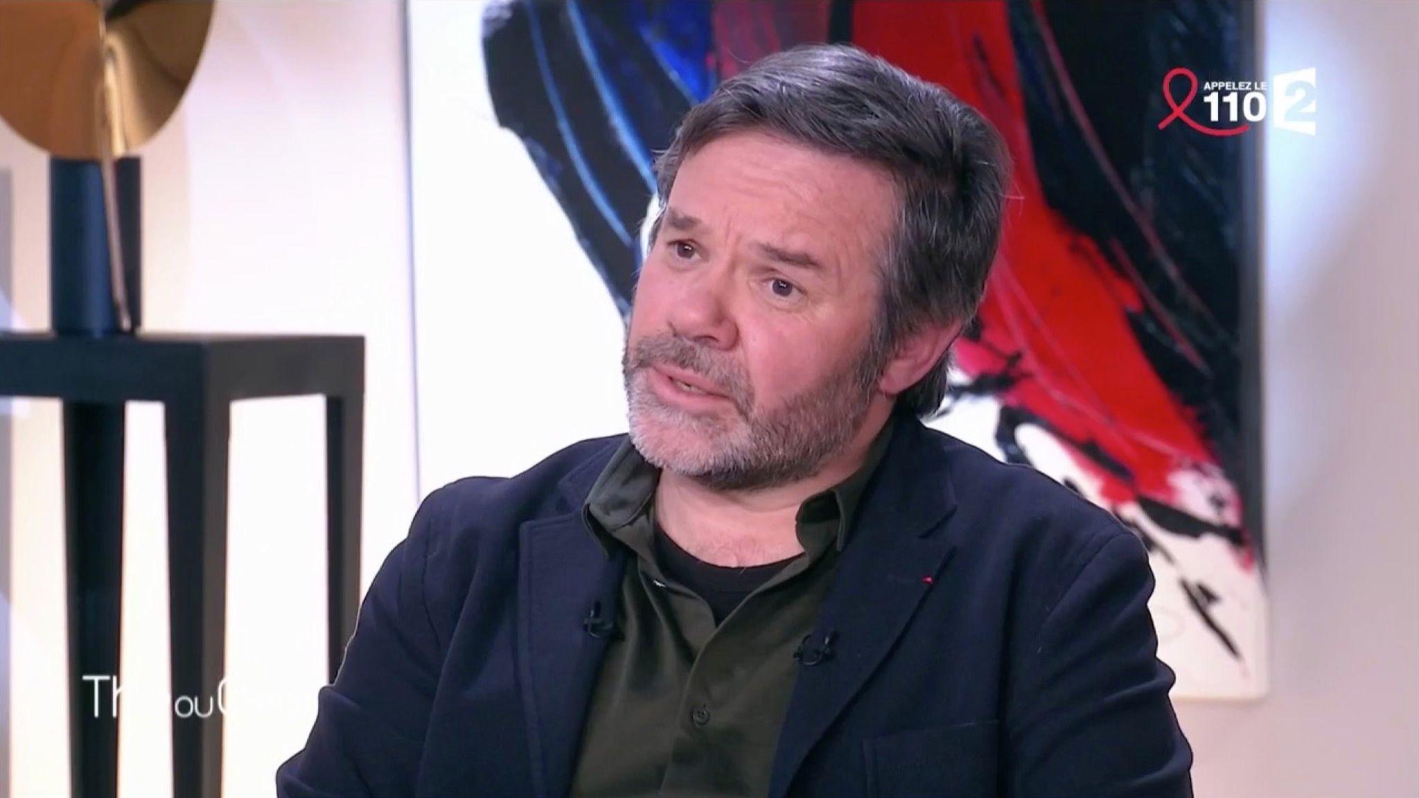 Gordon Ramsay Cauchemar En Cuisine Streaming Unique Stock Video Philippe Etchebest Avec Des Cheveux Il Est Méconnaissable