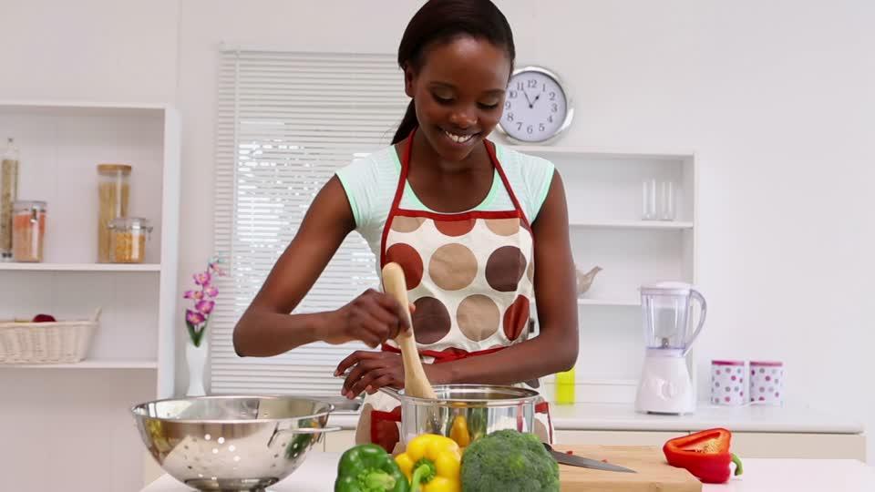 La Cuisine Des Femmes Impressionnant Photographie Femme Cuisine Tre Une Femme En Cuisine Peut Tre Pliqu with Femme