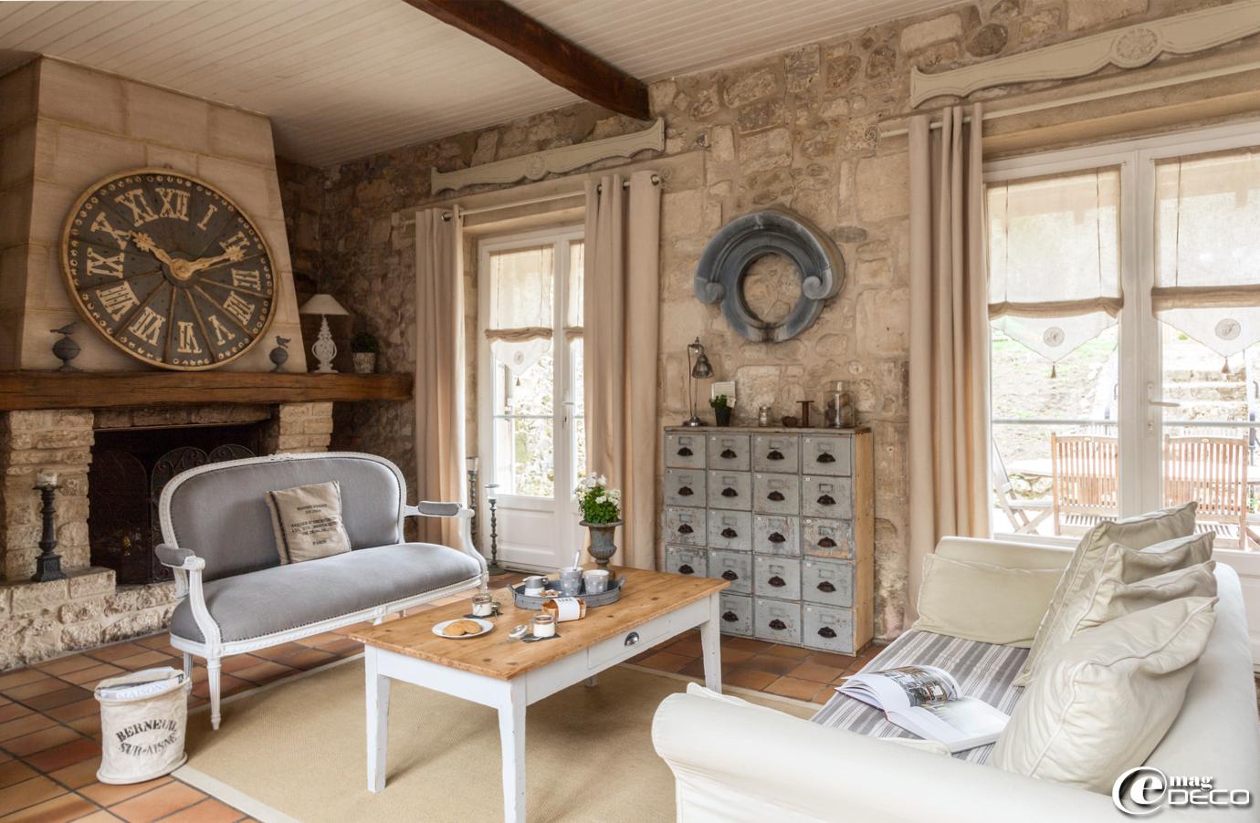 Lit Bois Et Chiffon Impressionnant Image Une Maison De Famille En Picar E Magdeco Magazine De Décoration