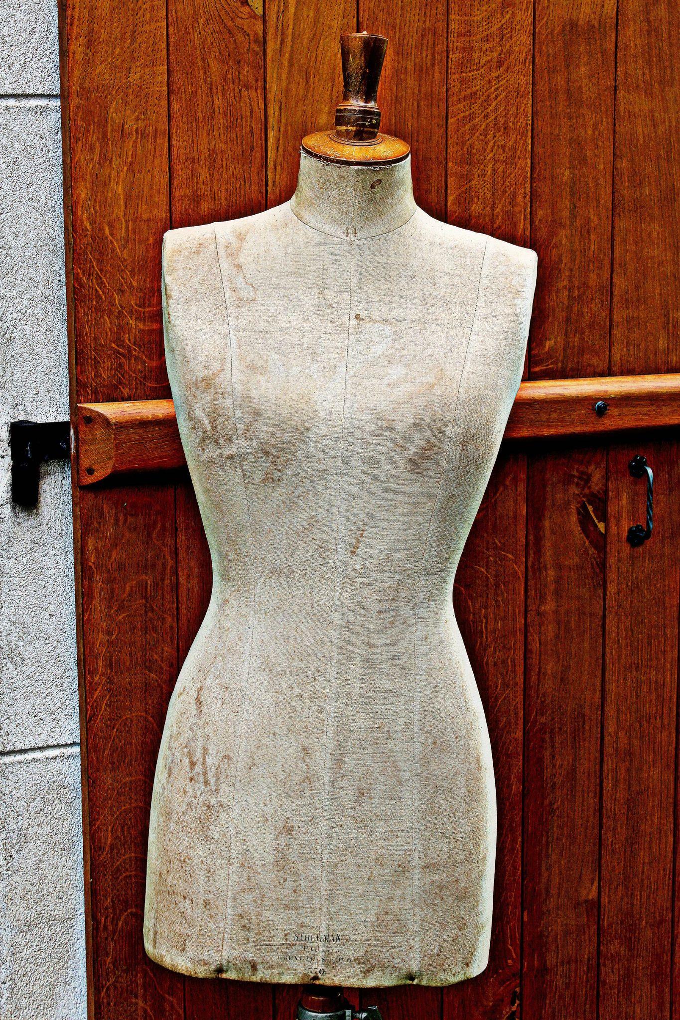 Mannequin De Couture Ancien Le Bon Coin Luxe Photos Couture Mercerie L 39 Ancienne Mercerie Couture Mannequin De