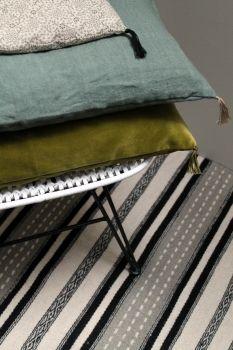 Nettoyer Canapé En Daim Inspirant Stock Les 24 Meilleures Images Du Tableau Navy Green Sur Pinterest