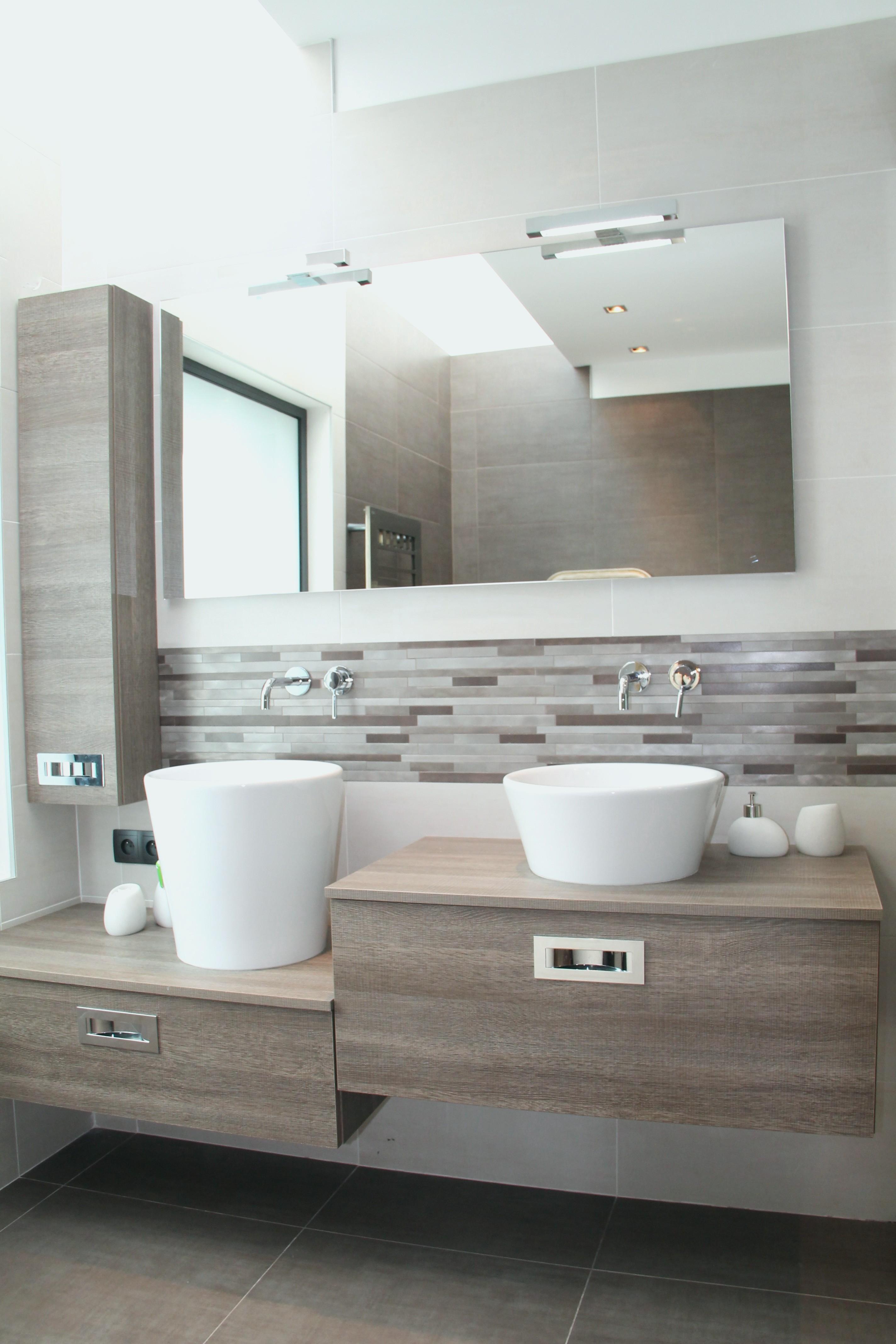 pierre de parement salle de bain interesting parement. Black Bedroom Furniture Sets. Home Design Ideas