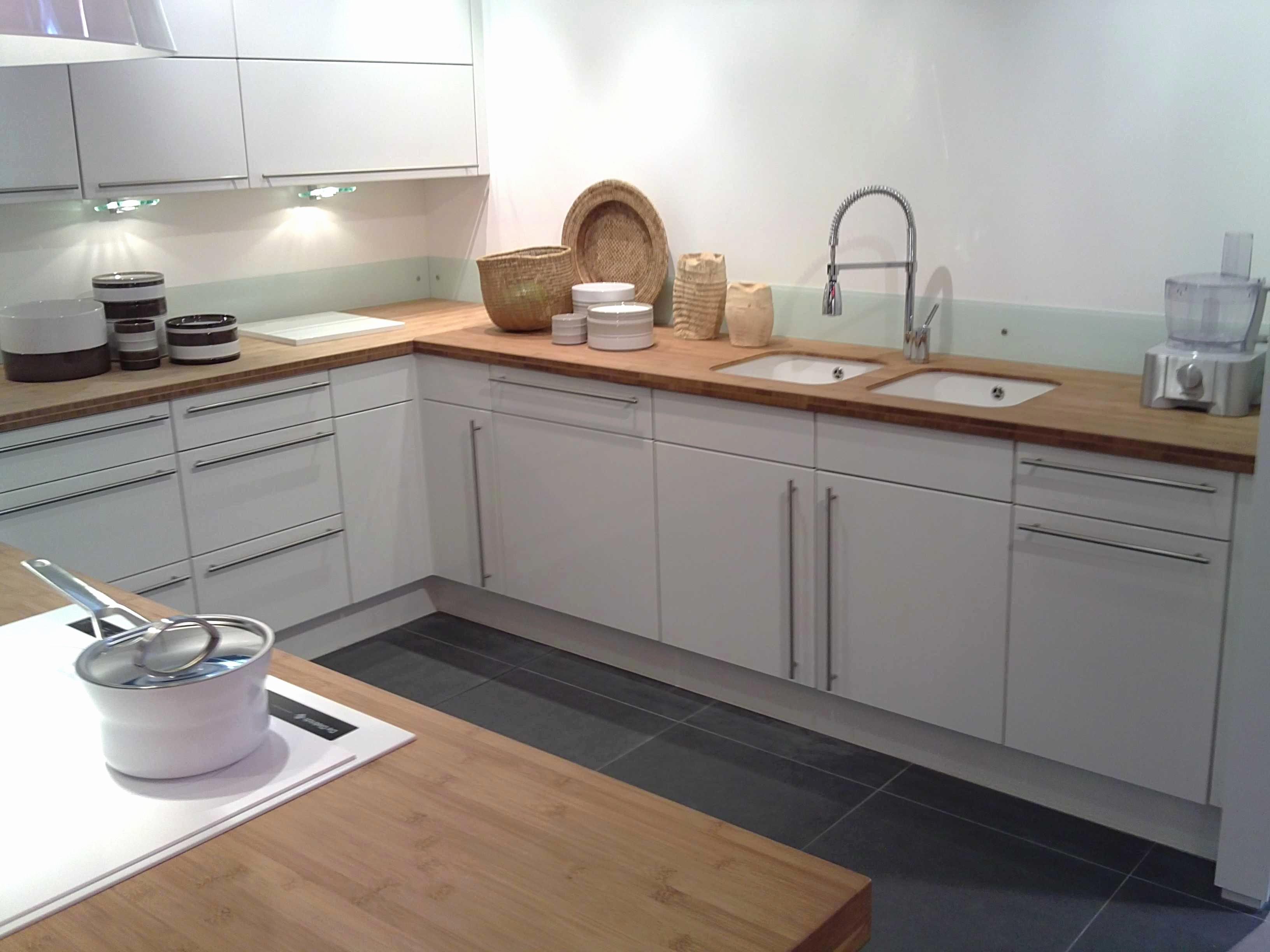 Plan De Travail Salle De Bain Ikea Luxe Photos Cuisine Arrondi Meuble Arrondi En Bout Dilot Avec Portes Courbes Et