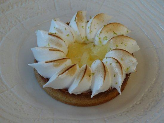 Une Plume Dans La Cuisine Beau Image Tarte Au Citron De Restaurant Clair De Plume Gastronomique