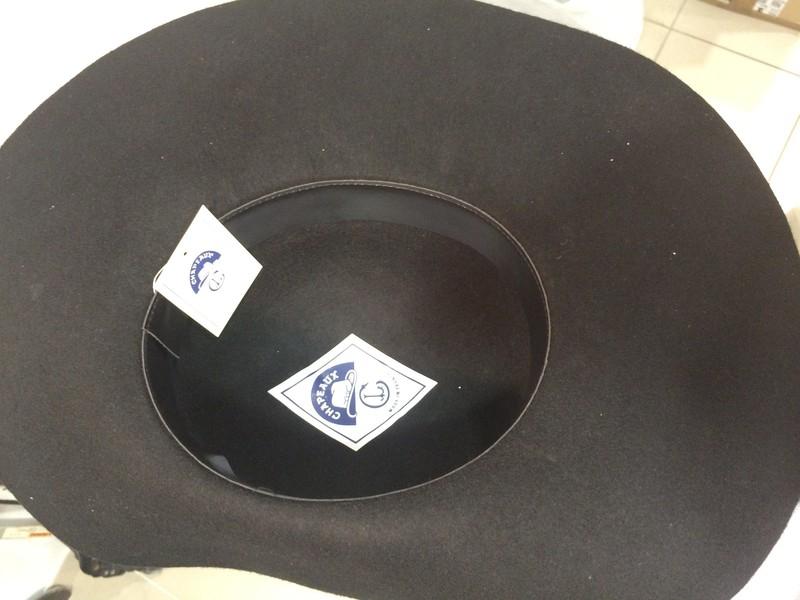 Une Plume Dans La Cuisine Nouveau Galerie Chapeau Mousquetaire Avec Ou Sans Plume tout Pour L Ouvrier